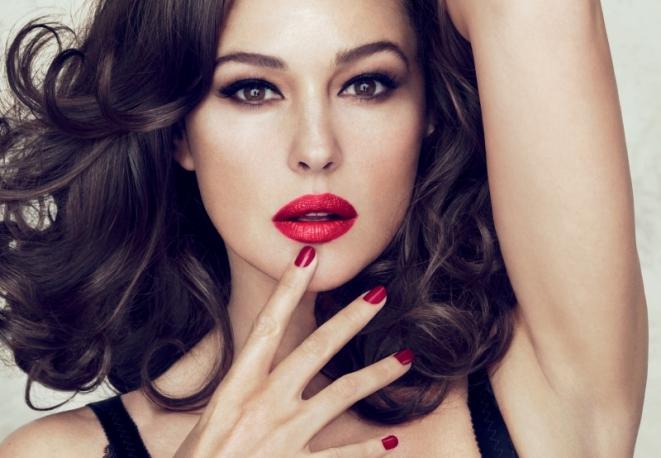 Monica-Bellucci-per-Dolce-Gabbana-Make-Up_main_image_object