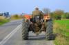 Infractor pe tractor