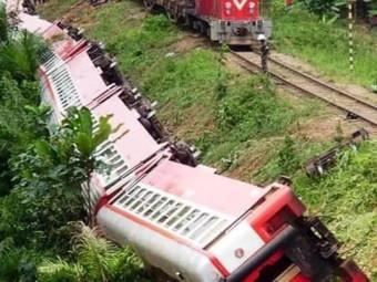 Tragedie în Africa: 55 de morţi şi 600 de răniţi, după deraierea unui tren!