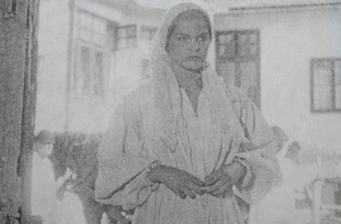 Simina (Manuela Hărăbor) în timpul filmărilor de la Ghioroc. Foto: Virgiliu Jireghie