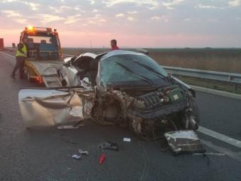 Polițistul care a provocat accidentul pe autostrada Nădlac-Arad era băut bine și avea carnetul suspendat. S-a întocmit dosar penal
