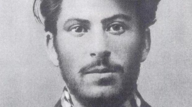 stalin in tinerete