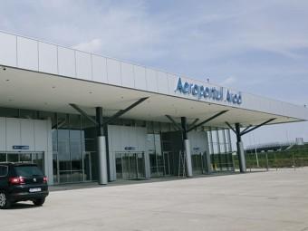Demisia, domnule Bălăcel! Aeroportul Arad și-a umilit vineri, din nou, puținii călători pe care-i mai are! (Video)