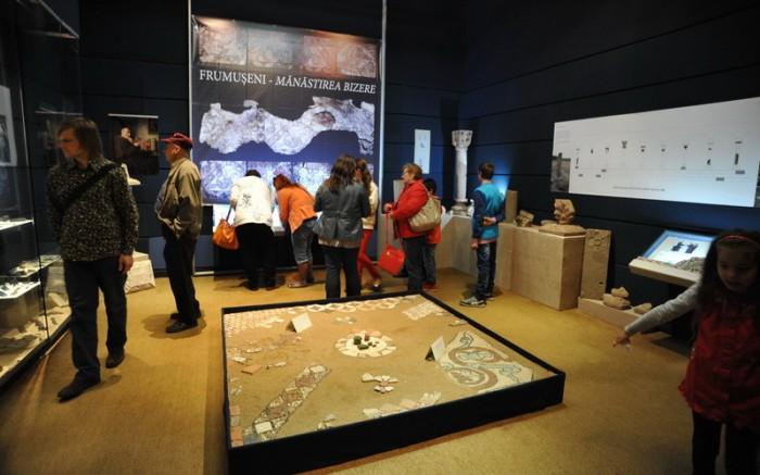 expozitia Bizere-art&technology_Palatul Cultural