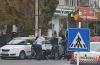 Mașini avariate, focuri de armă și mascați. Două clanuri de romi se răfuiesc în plină stradă  |   Video