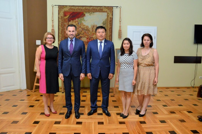 Delegatia-Mongolia-2