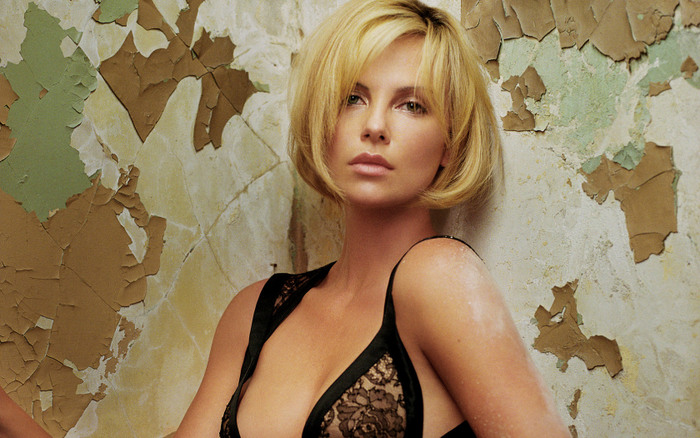 charlize-theron-wide-wallpaper
