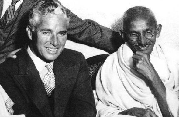 Charlie Chaplin şi Gandhi