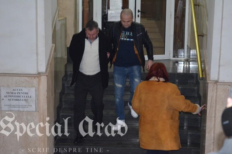 04-criminalul de la cermei in fata procurorilor (11)