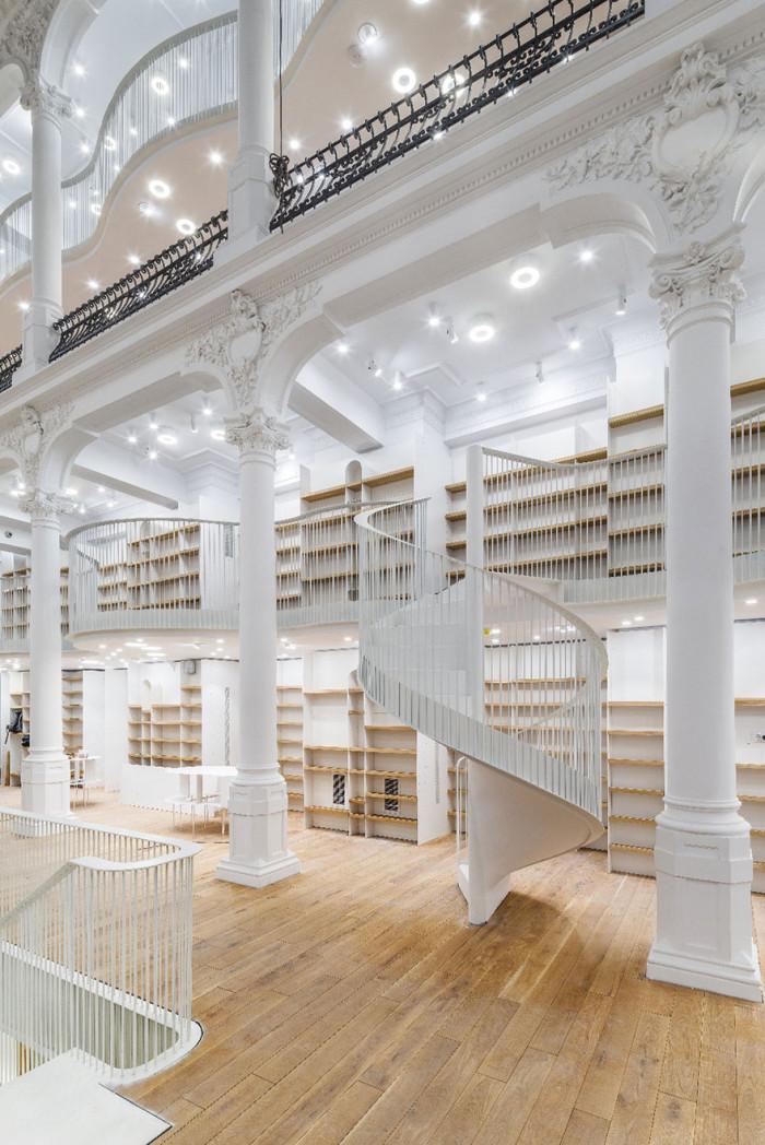 carousel-of-light-library-bucharest-14