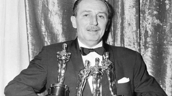 walt-disney-holding-academy-awards