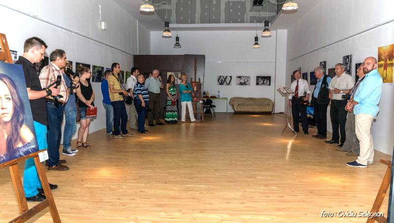 01-Expoziţia Fotoclubului Pro Arad la Oradea (1)