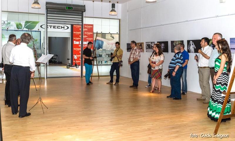 05-Expoziţia Fotoclubului Pro Arad la Oradea (5)