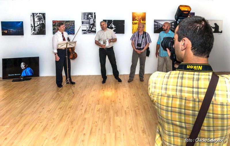08-Expoziţia Fotoclubului Pro Arad la Oradea (8)