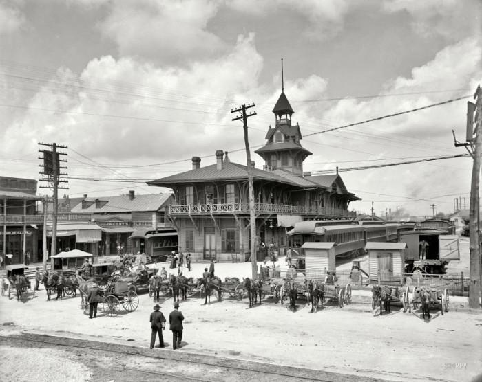 03-Station-Louisville-Nashville-Florida-in-1910