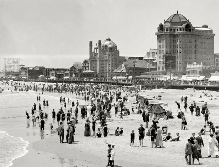 05-The-beach-in-Atlantic-City-1915