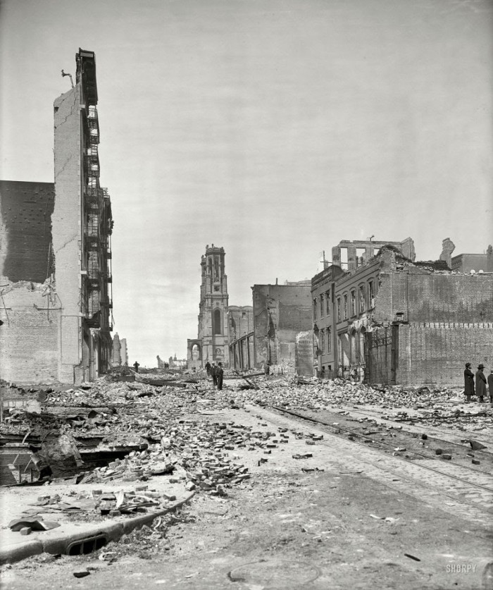 06-Grant-Avenue-after-an-earthquake-in-San-Francisco-in-1906