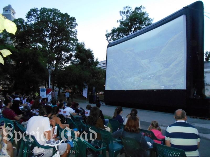 06-cinema in aer liber vineri (6)
