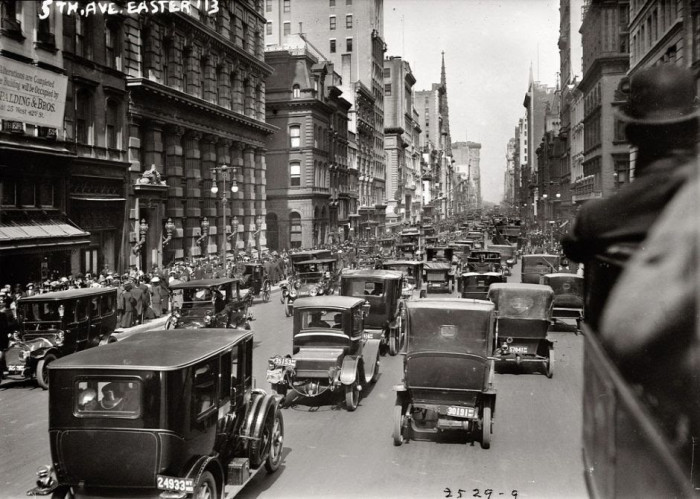 22-The-northern-part-of-Fifth-Avenue-New-York-1913