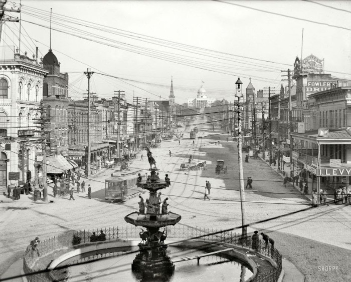 24-Dexter-Avenue-and-the-Capitol-Montgomery-Alabama-in-1906