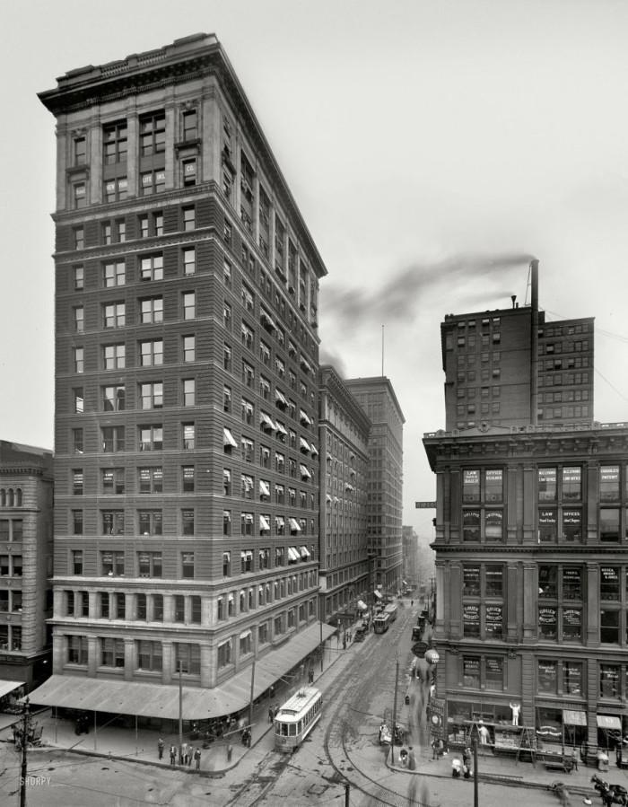 25-Valnut-Street-Cincinnati-Ohio-1910-that039s-Walnut-Street-