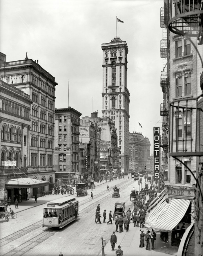 27-Broadway-and-the-building-of-The-Times-New-York-1915