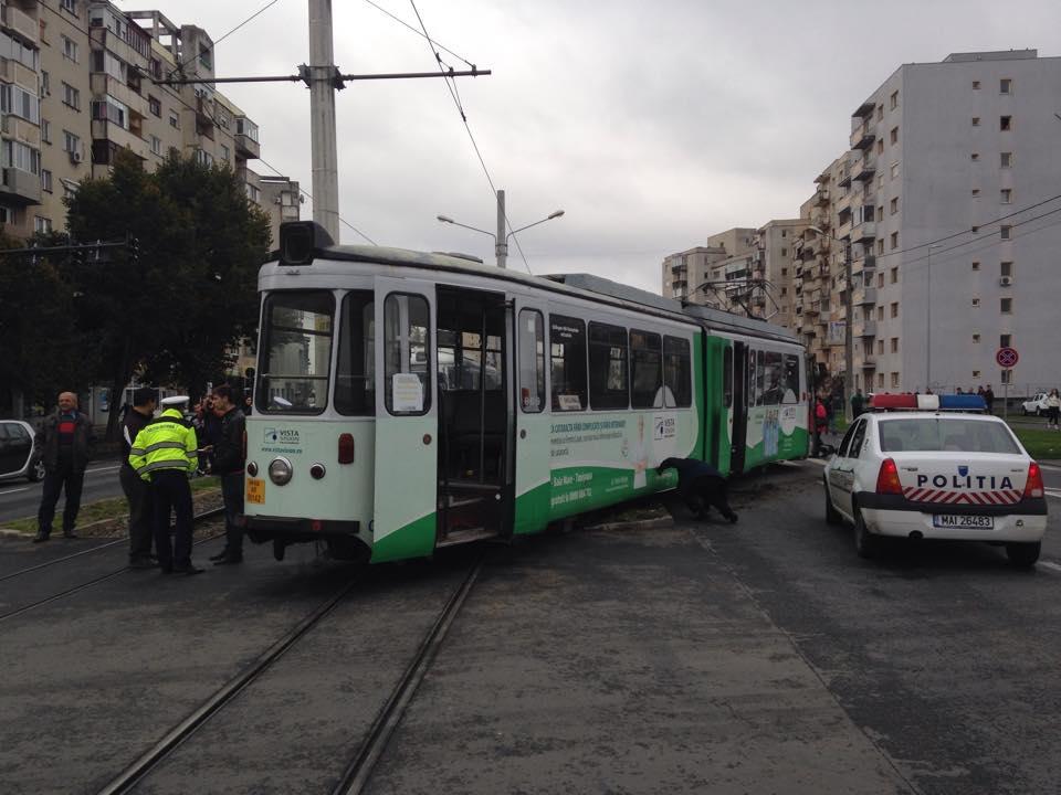 accident in vlaicu tramvai si masina (3)