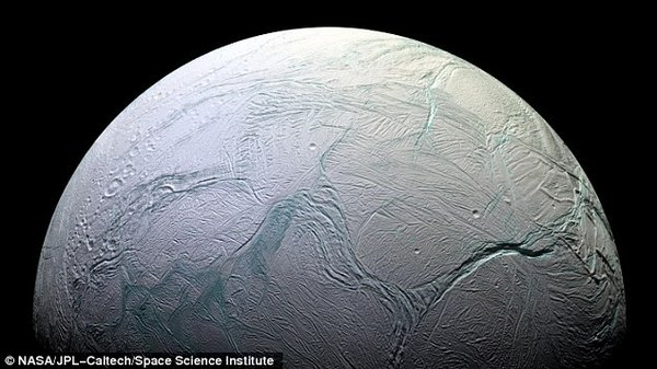 2dcbe85b00000578-3295237-enceladus-is-covered-in-an-icy-crust-th