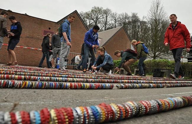 Lanțul avea 442 metri creat de Gitok (Belgia)