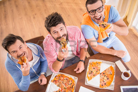 45656032-businessmen-in-casual-style-use-computers-in-office-and-eat-pizza