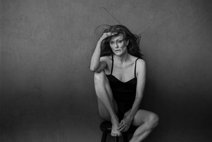 Julianne Moore, SEPTEMBRIE-OCTOMBRIE. Foto: PETER LINDBERGH