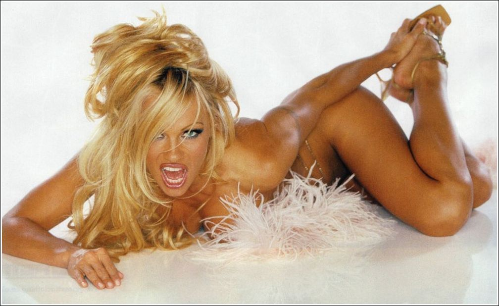 tattoo_pamela_anderson_tattoos_-4