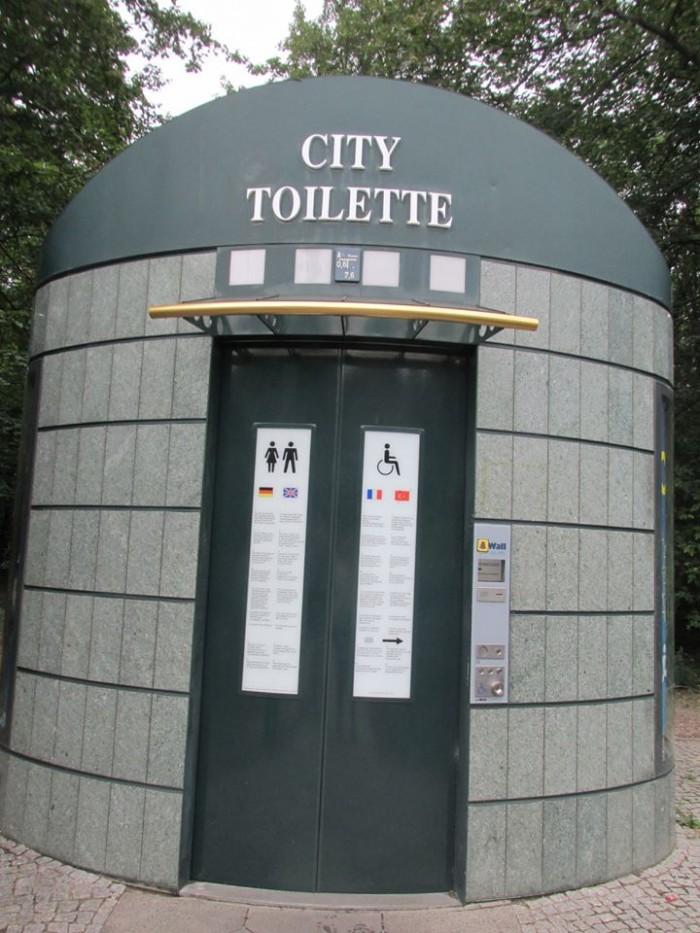 wc public berlin