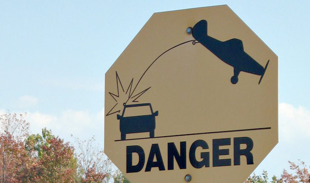 54eab93c282dc_-_03-danger-wacky-road-signs-1