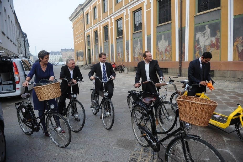 De_Radikale_Venstre_ankommer_pa_Velorbis_cykler2