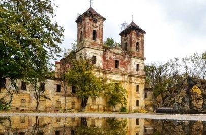 cetatea-aradului-biserica-franciscana-vedere-laterala-1800x900