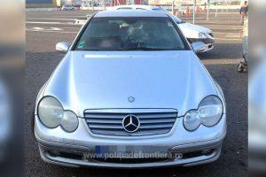 """A """"împrumutat"""" un Mercedes furat din Belgia, dar a ajuns cu el doar până la Frontiera Nădlac"""
