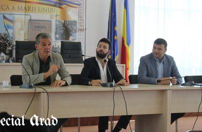Actorul Adrian Păduraru și regizorul Tedy Necula la CJ Arad