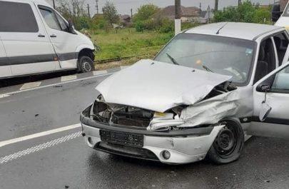 Accident_la_intrare_in_Vladimirescu_trei_maini_implicate_3