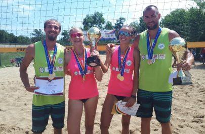 campioni volei pe plaja 2